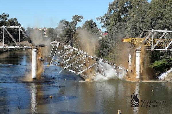 Small Hampden Bridge Demolition