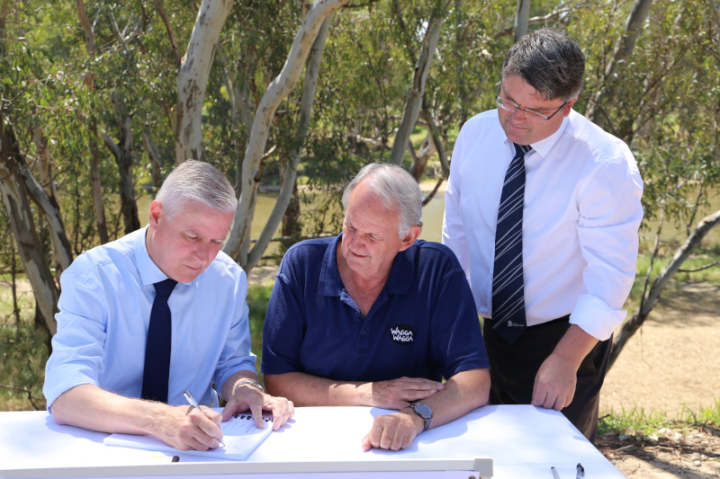 Contract signing of levee stage 2