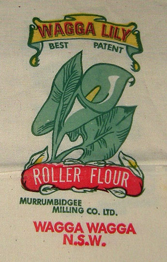 Wagga Lily Flour bag manufactured by the Murrumbidgee Milling Co., 1940s