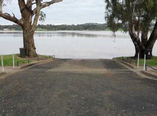 Lake Albert Wagga City Council