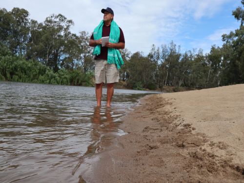 Tourism Australia's Beach Ambassador Brad Farmer AM takes a tour of Wagga Beach to gain vital insight, as he works to compile a list of the nation's best beaches.